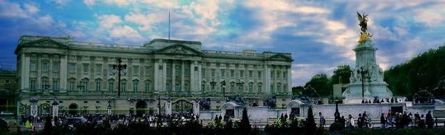 Para quem vai a Londres em dezembro e janeiro e estava triste achando que não ia conhecer o interior do Palácio de Buckingham uma boa notícia. Foram anunci