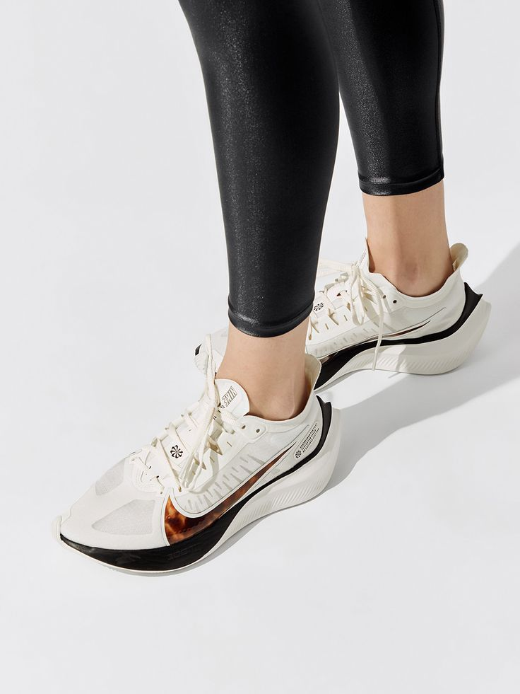 Wmns Nike Zoom Gravity in Sail/multi-color-barely Rose-black by ...