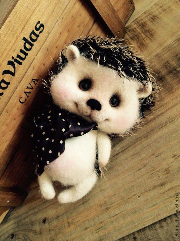 Купить Ежик Монька - серый, ежик, ежик игрушка, ежик из шерсти, ежик валяный