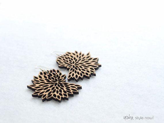 Bloom wooden earrings  BIO colleciton by ursha www.facebook.com/urshastylenow