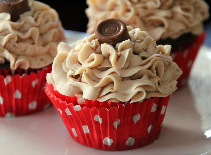 Chocolate Rolo Cupcakes with Salted Caramel Buttercream