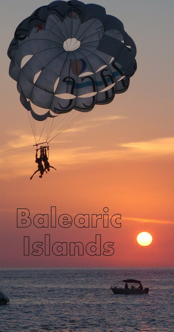 Balearic Islands Beach Resorts, Travel and Vacations  The top Hotels Resorts and Vacation options in Ibiza, Majorca and the other  Balearic Island resorts. Part of our Beach resorts in Spain / Europe Reviews. Balearic