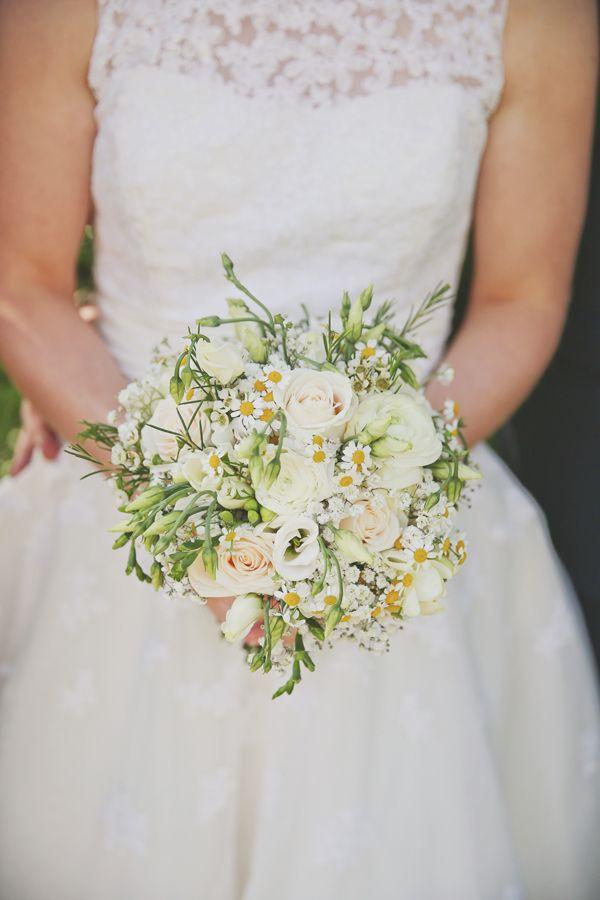 Pretty Marquee Wedding White Daisy Rose Bridal Bouquet http://www.victoriamitchellphotography.com/