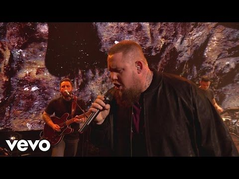 Rag'n'Bone Man - Human - Live from the BRITs Nominations Show 2017 - YouTube