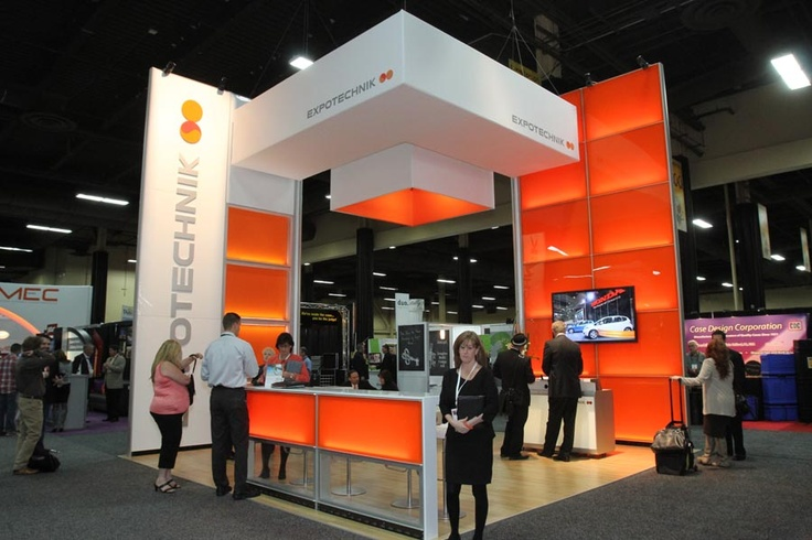 Exhibition Stand Attractors : Great use of color to attract attention trade show