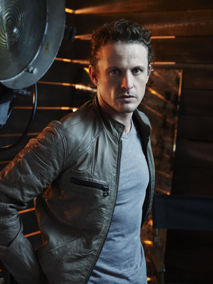 Revolution David Lyons as Sebastian Monroe #davidlyons #nbcrevolution