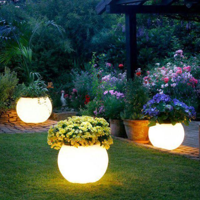 So cool!: Ideas, Craft, Glowinthedark, Outdoor, Glow In The Dark Paint, Flower Pots, Backyard, Flowerpot