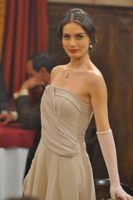 Gulcan Arslan  Gulcan Arslan was born in May, 1986 in Sakarya, Turkey. Gulcan is one of the prettiest women of Turkey. She is trendy and hard working female who is an actress and model by profession.