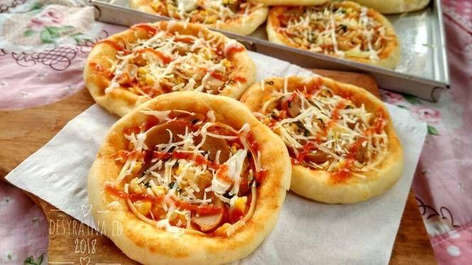 Resep Pizza Mini Eggless Oleh Desy Ratna Resep Makanan Dan Minuman Roti Hot Dog Makanan