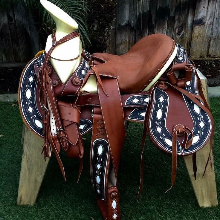 390 best images about monturas accesorios on pinterest for Monturas para caballos