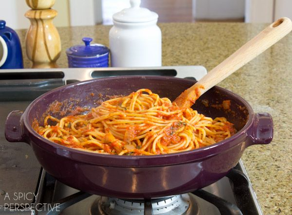 How to Cook Pasta (Perfectly) via @spicyperspectiv