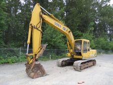 """John Deere 590D Hydraulic Excavator Heated Cab Hyd Thumb 36"""" Bucket bidadoo apply to finance www.bncfin.com/apply excavators for sale - excavator financing"""