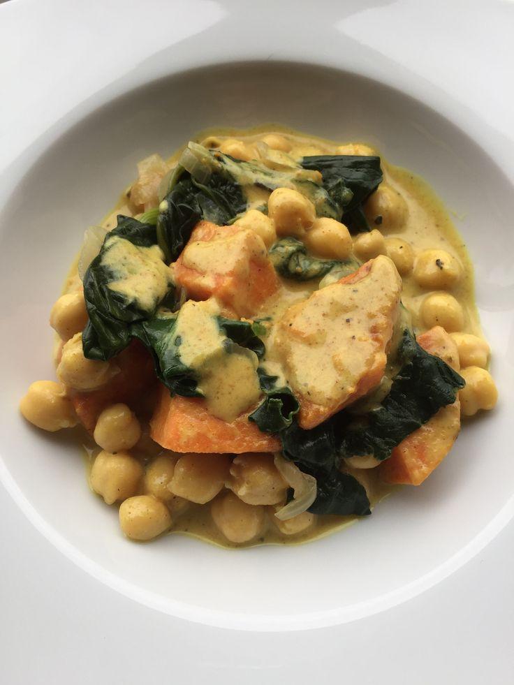 Curry de patate douce, pois chiche et épinards