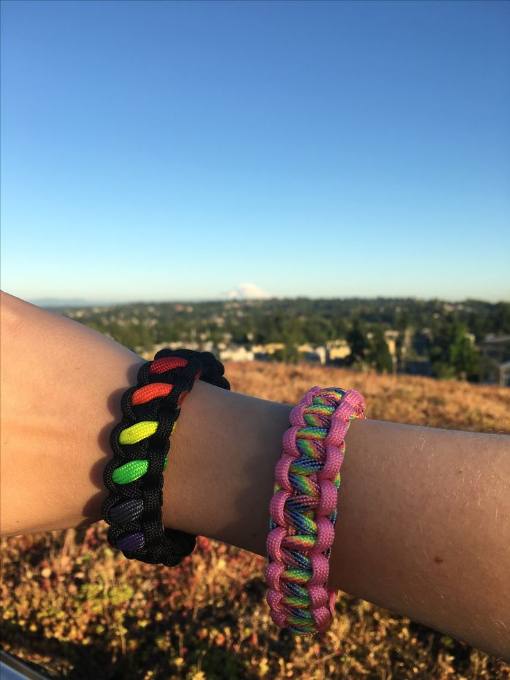 Ready for Pride! #pride #paracord #outdoors #celebrate #prideswag #prideoutfit #ootd #climbing get yours at: https://www.etsy.com/shop/OutdoorParacordUS