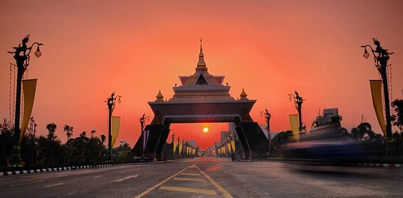 "Khon Kaen | City in Thailand Khon Kaen is one of the four major cities of Isan, Thailand - also known as ""Big 4 of Isan"". It is also the capital of Khon Kaen Province and the Khon Kaen Distric"