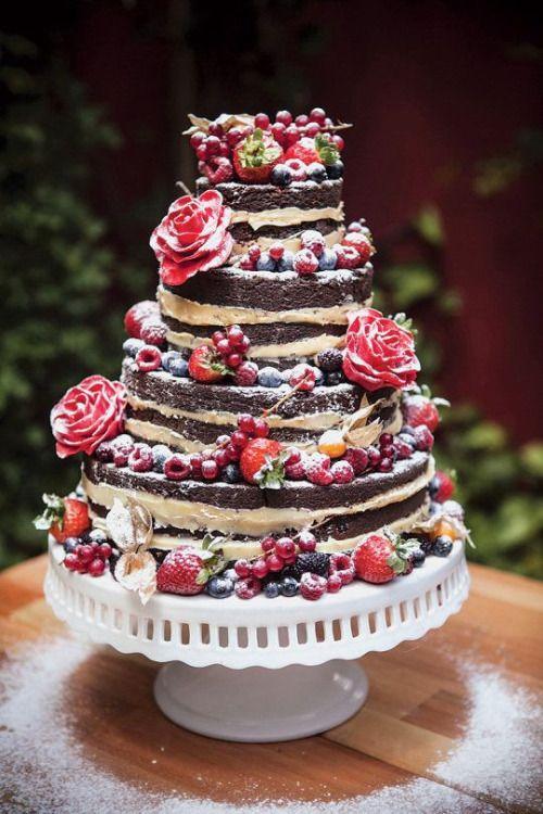 Hochzeitstorte Nackter Kuchen mit Beeren   – Hochzeitstorte – wedding cake