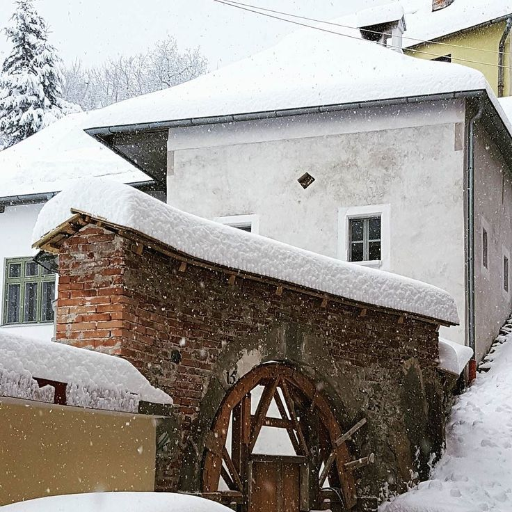 Tisic odtienov bielej. #banskastiavnica #stiavnica #schemnitz #nasaobnova #process