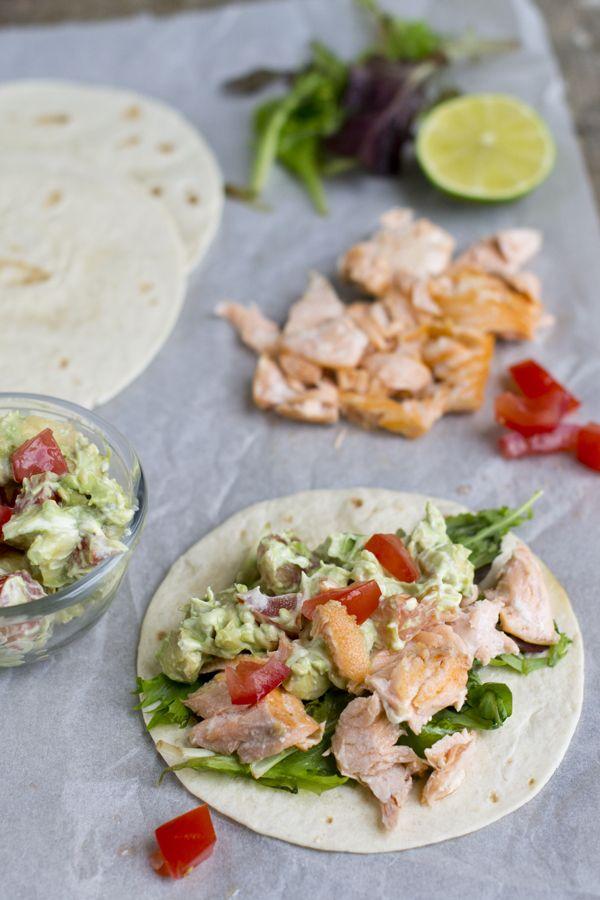 wraps met zalm en avocadospread
