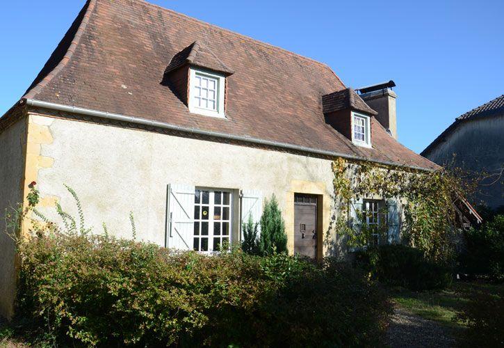 YANETTO dans Les Pyrénées Atlantiques - Gites de france Gîte pour 6 personnes avec 3 chambres à SEVIGNACQ-THEZE,  Pau Pays Bearn A 10 km de Thèze, 20 km de Pau, Pays de Béarn Piscine sur place