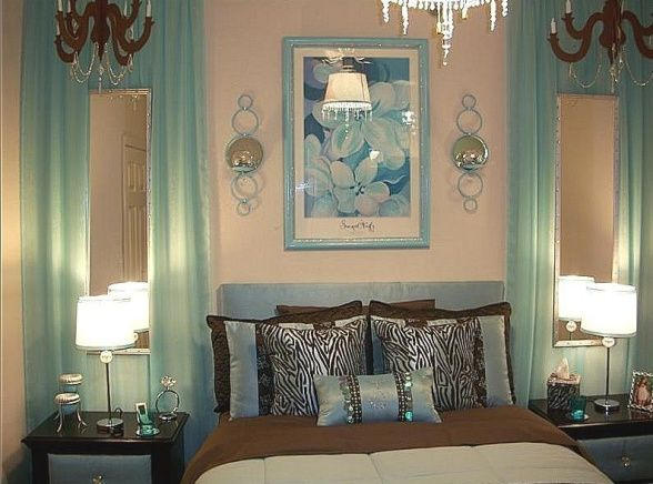 Top 25 ideas about Curtains On Wall on Pinterest | Chandelier fan ...