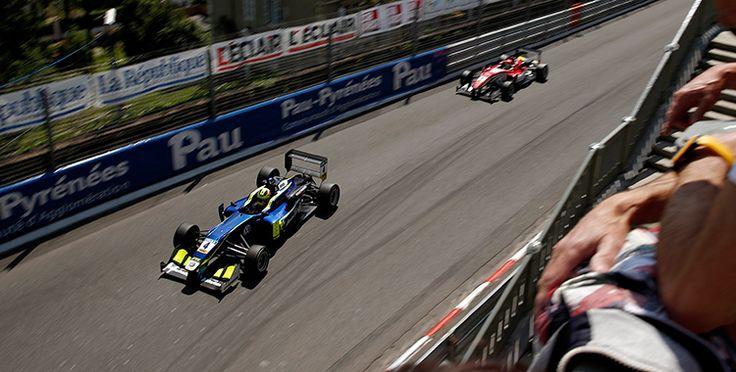 Alessio Lorandi - Dallara F312 Volkswagen - Carlin Motorsport leads Lance Stroll - Dallara F312 Mercedes - Prema Powerteam on his way to win the race - LXXV Grand Prix Automobile de Pau - 2016 FIA Formula 3 European Championship, Round 3, Race 9