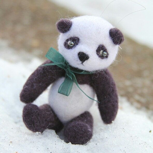 Small panda felt toy - cute gift idea. Buy it now in feltpetsshop.etsy.com