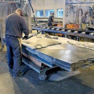 Производство сланцевой плитки на фабрике Minera Skifer в Оппдал, Норвегия