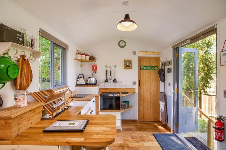 Tiny Home Designs: Shepherds Hut Interior - Hledat Googlem