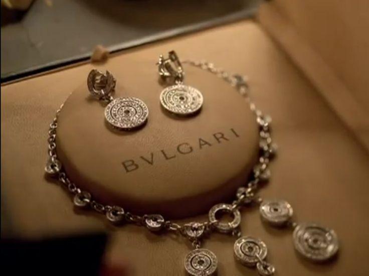 Bulgari jewelry - Britney Spears -  CIRCUS (2008) Music Video Scene