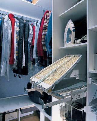 Наполнение для гардеробной, гардеробное наполнение фото, встроенная гладильная доска