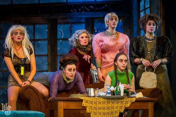 8 nő - Göttinger Pál - Weöres Sándor Színház (Robert Thomas: 8 femmes)