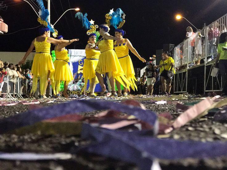 Carnaval de 2018 será de 9 a 14 de fevereiro -     Para quem já está pensando na folia do ano que vem e pensa em se programar, a terça-feira de carnaval em 2018 vai cair em 13 de fevereiro. A festa começa na quinta ou sexta-feira anterior, 8 ou 9 de fevereiro (a depender do local), e acaba na quarta-feira de cinzas, 14. Em algumas - http://acontecebotucatu.com.br/geral/carnaval-de-2018-sera-de-9-14-de-fevereiro/