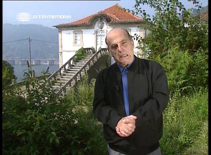 ^José Hermano Saraiva fala sobre o Zé do Telhado: ladrão em Portugal, conhecido como o Robin dos Bosques português, foi preso e deportado para Angola onde se tornou um herói. Está sepultado em Caculama.