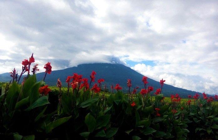 Gunung Kerinci,  Pesona Indah Dua Provinsi