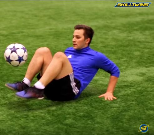 FOOTBALL SKILLS - INSANE Freestyle/Soccer/Football Tricks! (Ronaldo/Neymar/Messi Style) - YouTube
