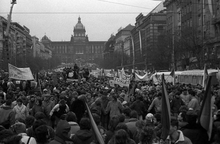 Today in History: NOVEMBER 21 © Rex Features 1989: Czechoslovakia's Velvet revolution About 200,000 people gather on Wenceslas Square in Prague, Czechoslovakia. Theirs was the Velvet Revolution, a peaceful revolt born of police brutality that ended four decades of communism with songs, laughter and not a few tears.