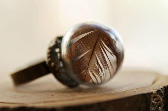 Hand made ring vintageschmuck brass glass feather