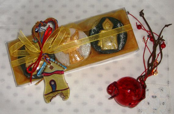 Christmas Gift Idea - an extraordinary gift for Christmas !  An elegant Cream Honey Christmas Handmade Gift Set with three small Glycerin Scented Soaps (two Green Color and one White, with Christmas shapes - all amber scent) and a lovely handmade glass Christmas Charm for Good Luck in the packaging.