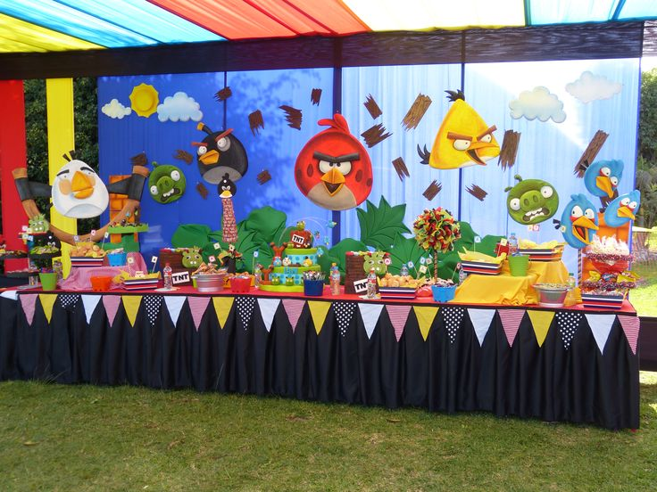 My angry birds decoration chicos pinterest angry for Angry bird decoration ideas