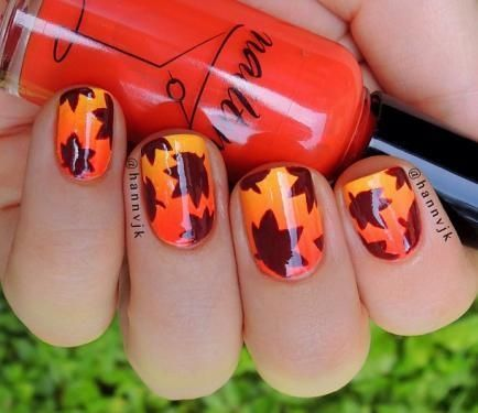 Click for directions on howyou can do this design and see more amazing leaf-inspired nail designs for fall!