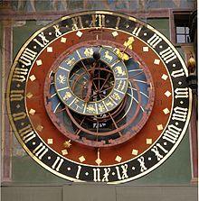 Un reloj astronómico es una clase de reloj que nos informa de las posiciones relativas del Sol, la Luna, las constelaciones del zodíaco y los planetas mayores, así como de todo tipo de informaciones cíclicas como son la duración del día y de la noche, fechas de los eclipses lunares y solares, fechas de la Pascua y otras festividades religiosas, fecha y horas de las mareas, la hora solar,1 las fechas de los solsticios, los cambios de estación, la re
