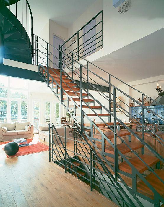 Dt2 esca 39 droit escalier m tal et bois d 39 int rieur for Type d escalier interieur