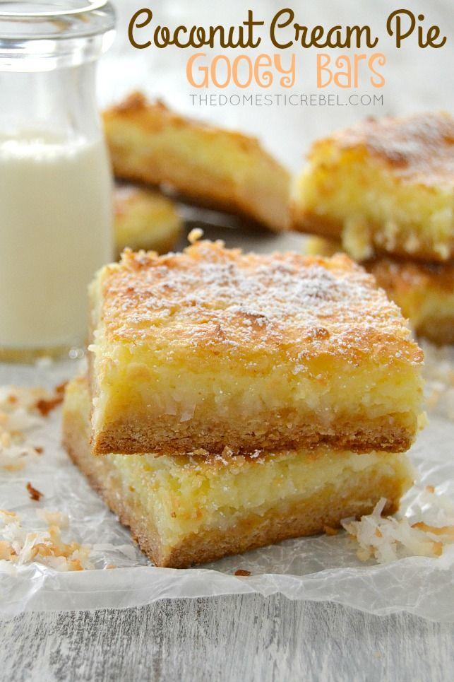 Estas barras de coco tarta de crema pegajosos son increíbles!  Esta receta fácil sabe exactamente como la tarta de crema de coco, pero en una forma de barra pegajosa, masticable!  Dulce, de nuez y una explosión de sabores de coco!