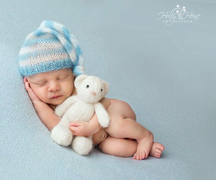 Teddy bear love.💛 #newborn #newbornphotography #newbornart #ocnewbornphotographer #ocbabyphotographer #orangebabyphotographer #orangecountynewbornphotographer #irvinenewbornphotographer #irvinebabyphotographer #socalnewbornphotographer #socalbabyphotographer #southerncalifornianewboenphotographer #southerncaliforniababyphotographer #teddybear #teddy #teddylove @theknittingbitty @justperi