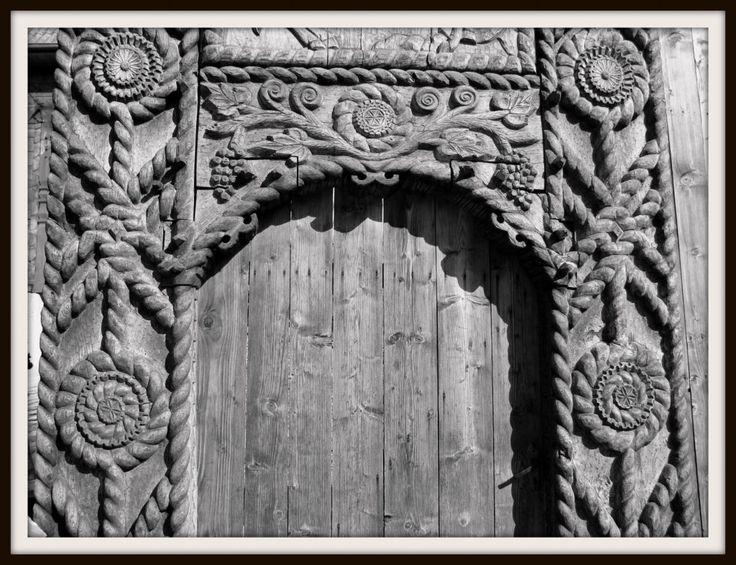 Maramures gate - detail