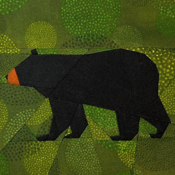 Black Bear paper-piecing quilt pattern, PDF