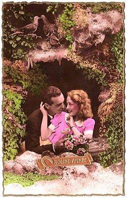 Postcard - Romantic Couple - The Graphics Fairy
