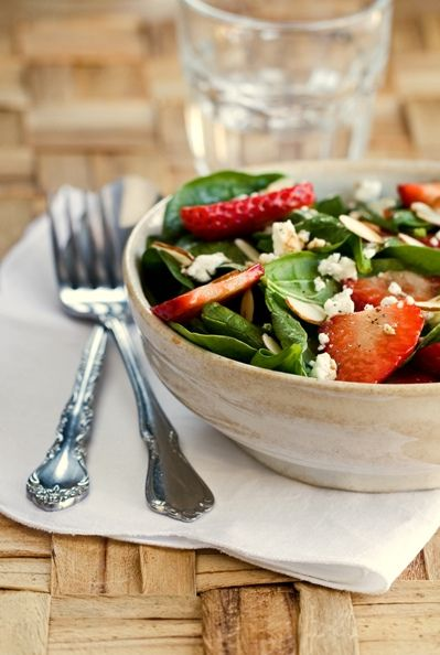 Strawberry, goat's cheese and balsamic salad!