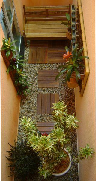 Jardim em área estreita. Fotografia: www.decorfacil.com Mais