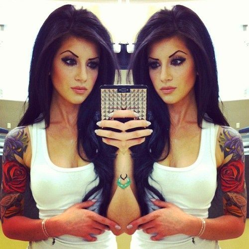 shows you can be feminine and beautiful and have tattoos